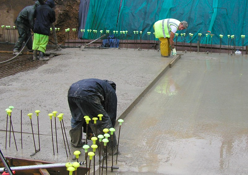 Tips for concrete pouring in the rain maple concrete pumping for Best temperature to pour concrete