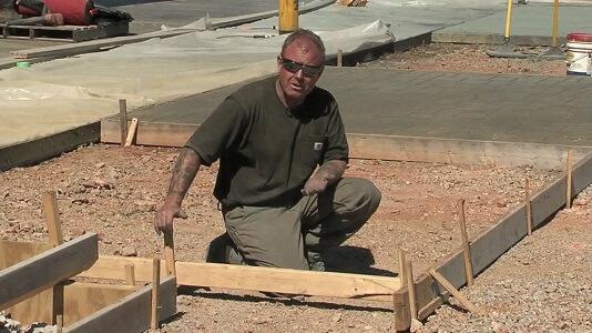 building form to pour concrete