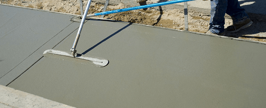 troweling concrete for smooth finish